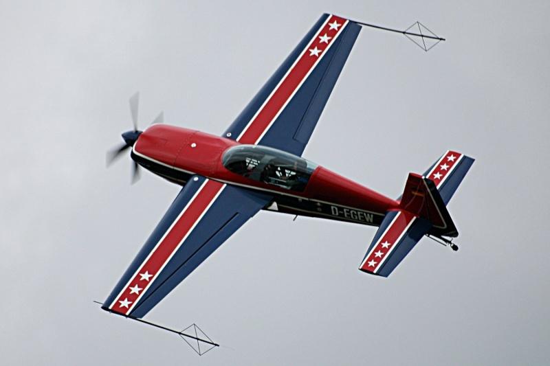 Projet : Un avion école de voltige, l'extra 300 L 0510