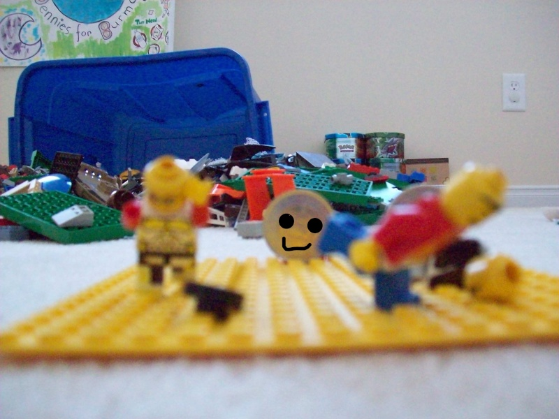 minifigs discover money... 100_0010