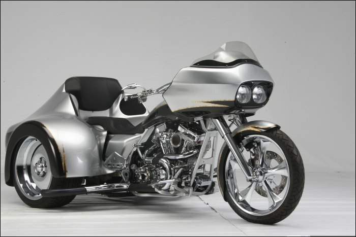 ROAD GLIDE uniquement - Page 41 Thumpe10