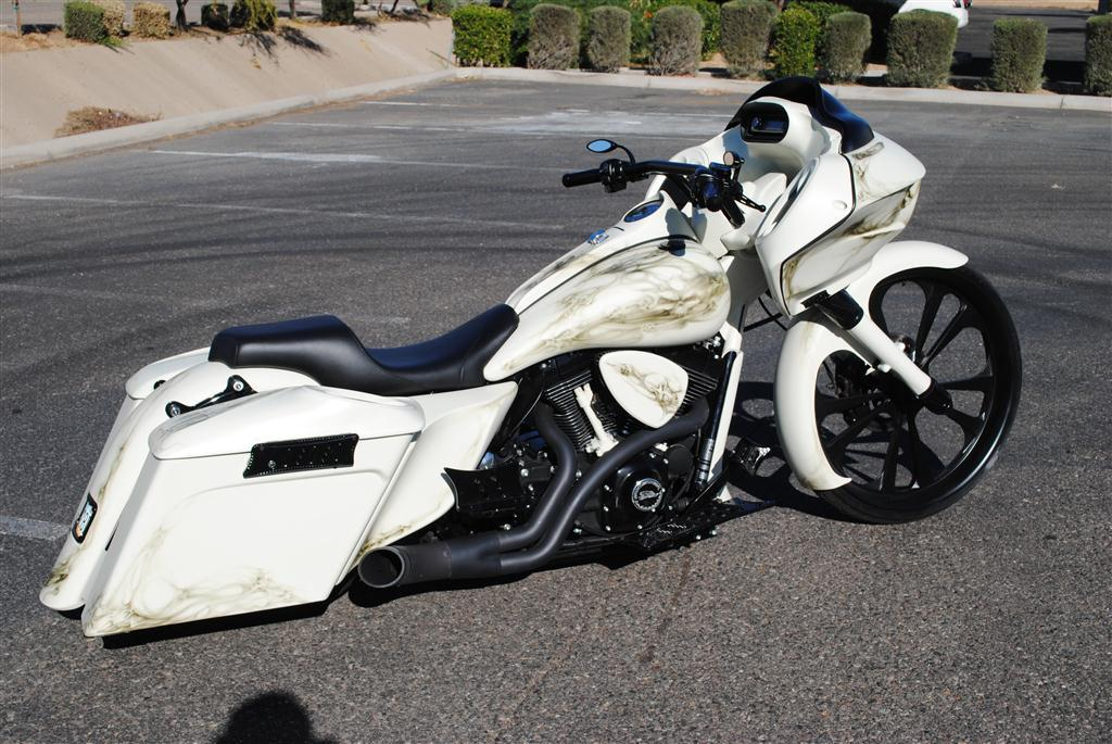 ROAD GLIDE uniquement - Page 41 White-10