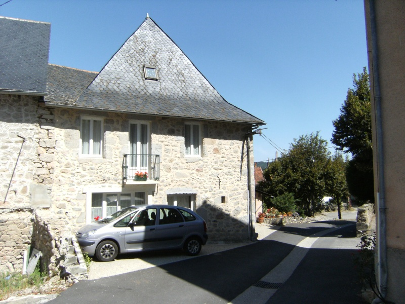 Lunac, village de l'Aveyron Dscf0110