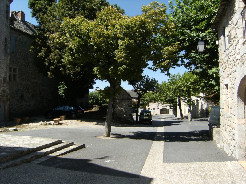 Lunac, village de l'Aveyron Dscf0114