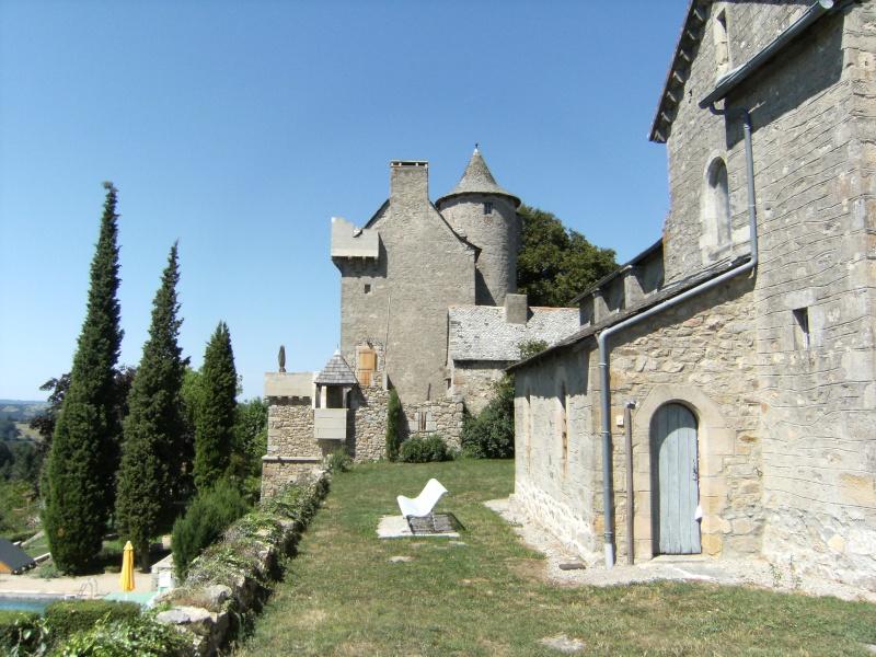 Lunac, village de l'Aveyron Dscf0122