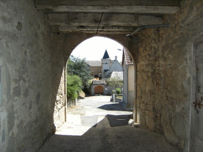 Lunac, village de l'Aveyron Dscf0210