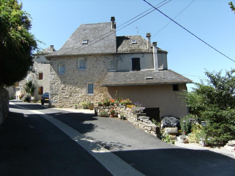 Lunac, village de l'Aveyron Dscf0216