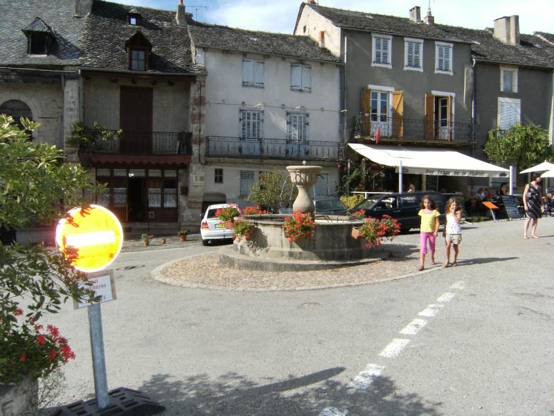Najac, commune touristique de l'Aveyron Dscf0218