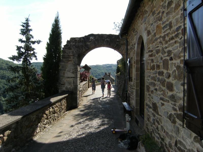 Najac, commune touristique de l'Aveyron Dscf0233
