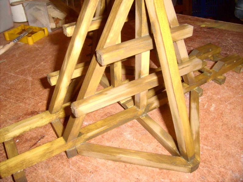 Trebuchet in 1/25 aus Holz Lpic3933