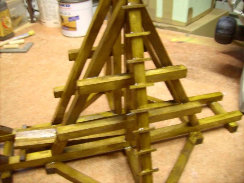 Trebuchet in 1/25 aus Holz Lpic4012