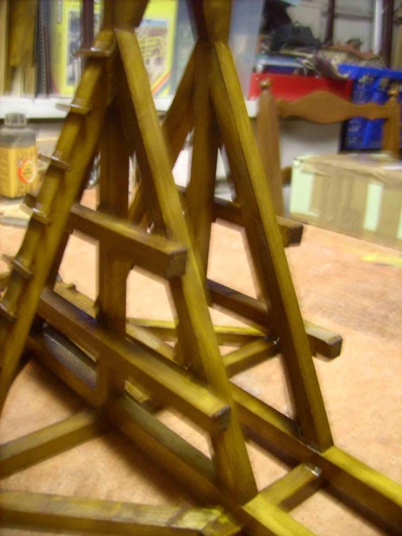 Trebuchet in 1/25 aus Holz Lpic4014
