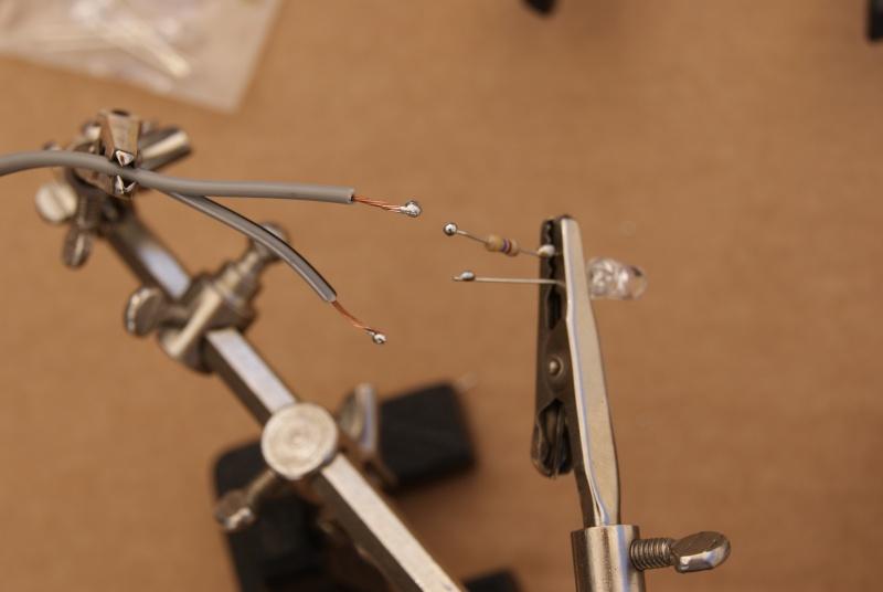 Essais au branchement des diodes ou LED Dsc00216