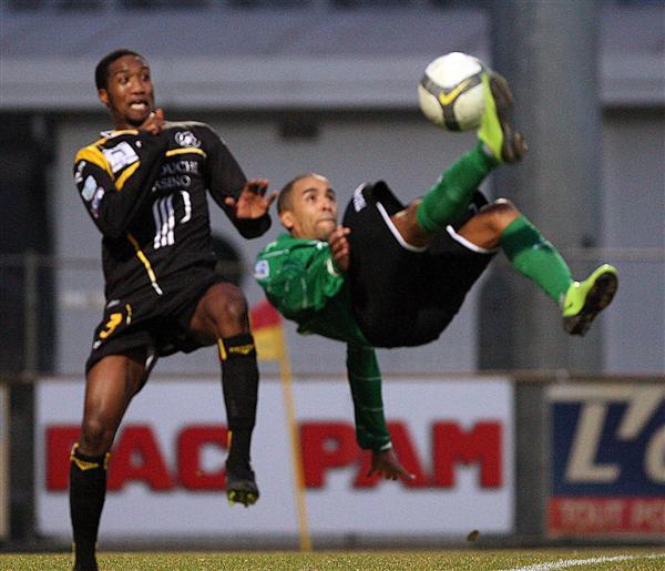 [CFA] 17 ème journée : SR Colmar / FC Mulhouse : le derby - Page 3 Retour10