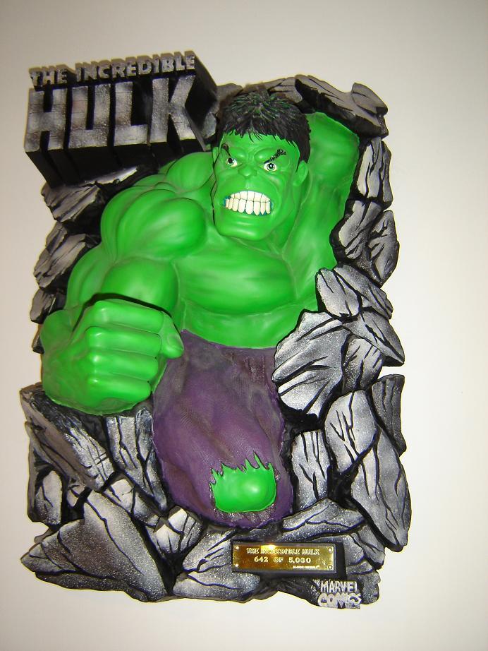 ILLUSIVE ORIGINALS : Hulk wall plaque  2010_111