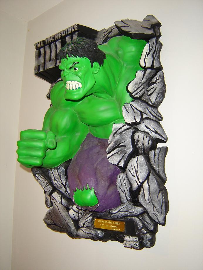 ILLUSIVE ORIGINALS : Hulk wall plaque  2010_113
