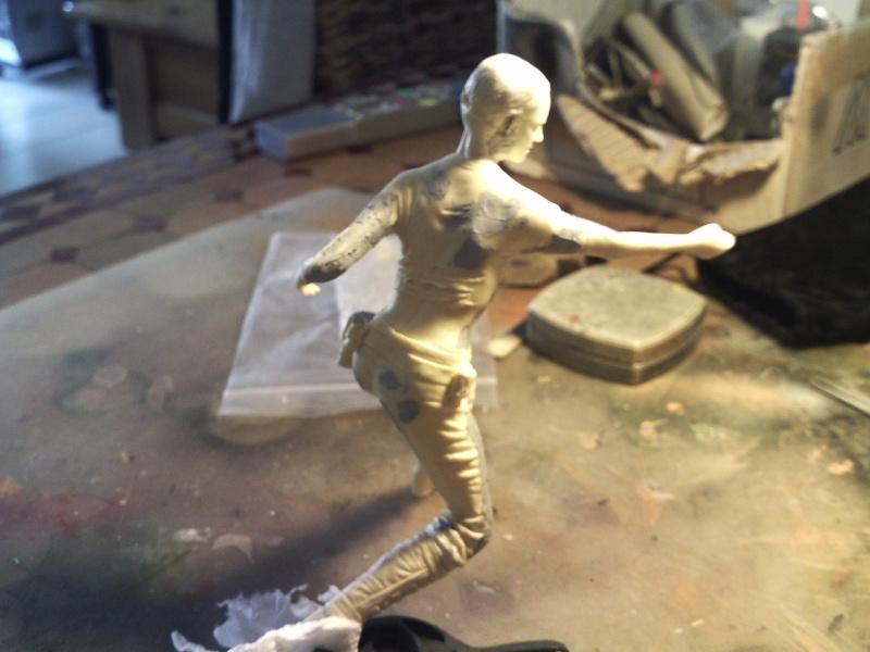"zombie solo,Amidala 7"" + figurines en cours... Pict0110"