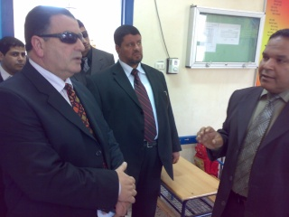 زيارة بعض مدارس المحافظة لمدرستنا 2009-2010 20100323