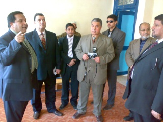 زيارة بعض مدارس المحافظة لمدرستنا 2009-2010 20100325