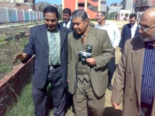 زيارة بعض مدارس المحافظة لمدرستنا 2009-2010 20100329