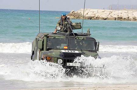 El Ejército acude a Murcia para ver si aún vive gente allí Hummer10