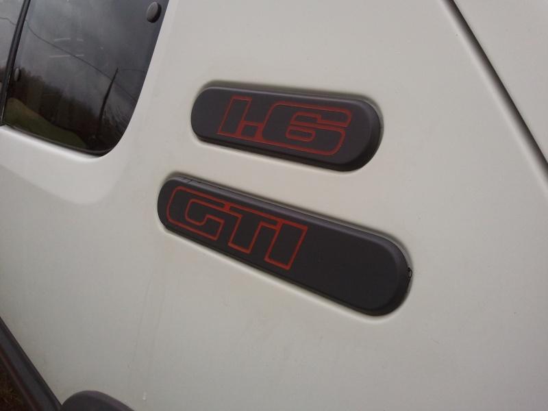 [manu47] 205 GTI 1.6L blanc meige 1987 Photo052