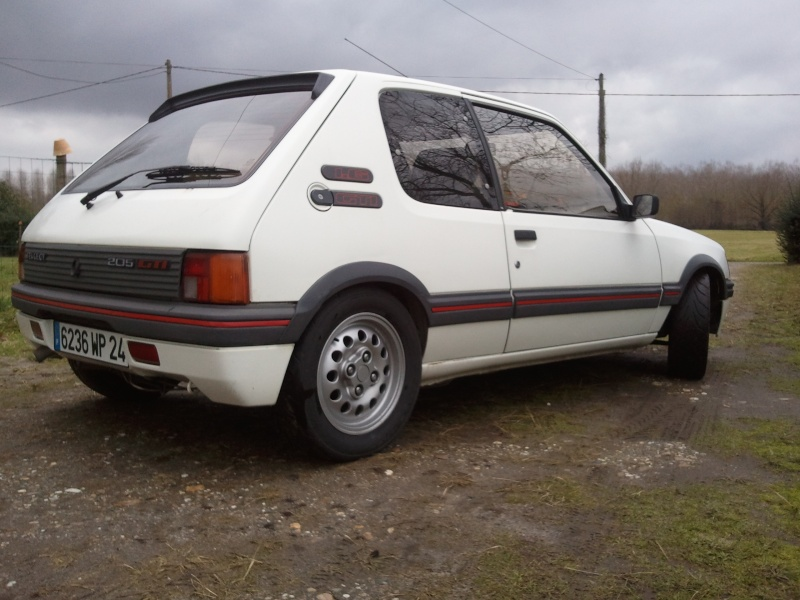 [manu47] 205 GTI 1.6L blanc meige 1987 Photo057