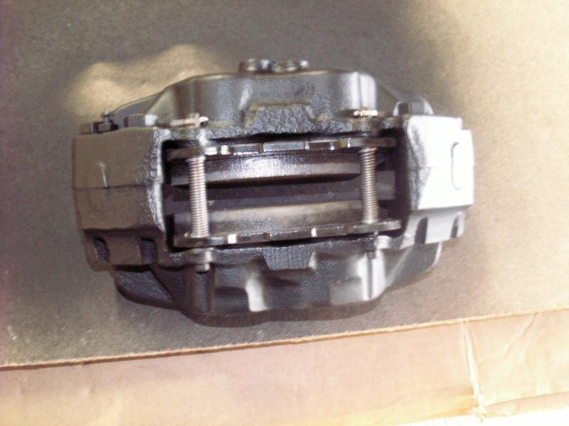 Remise en état des étriers de frein AV de Defender Etrier12