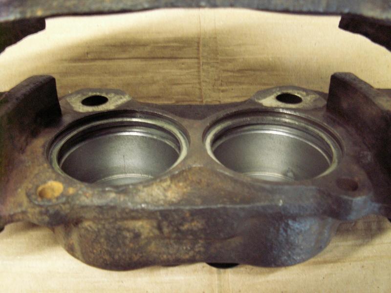 Remise en état des étriers de frein AV de Defender Pict0013