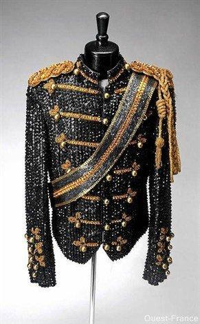 Les costumes et tenues du King Of Pop Veste-10