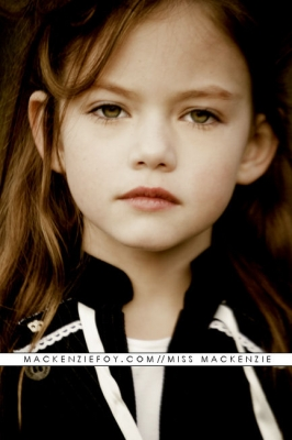 Mackenzie Foy es Anna Smith Normal10