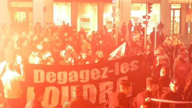 """Nice : """"La résistance identitaire fait face aux collabos de l'invasion rue Clémenceau"""" (vidéo) Identi12"""