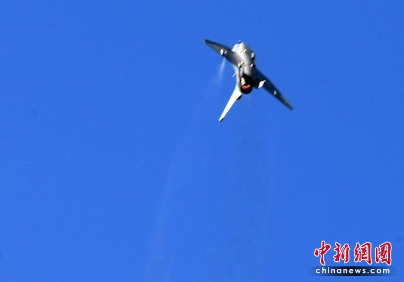 Fabrication d'avions militaire chinoise 001aa011