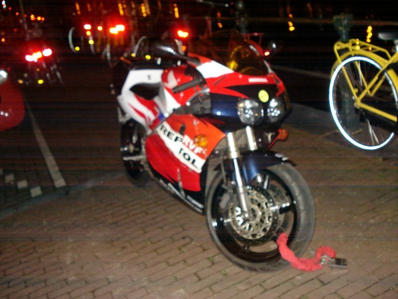 Honda RVF Dsc09415