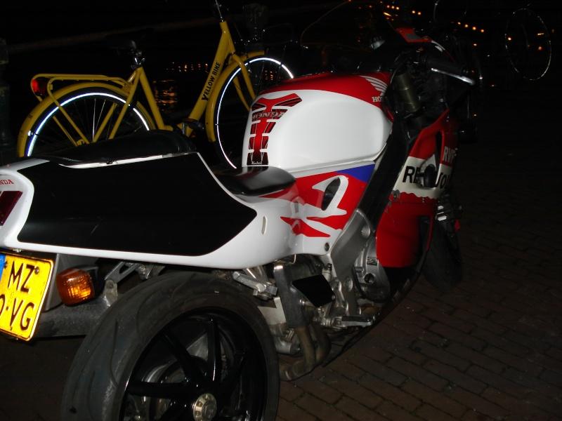 Honda RVF Dsc09417