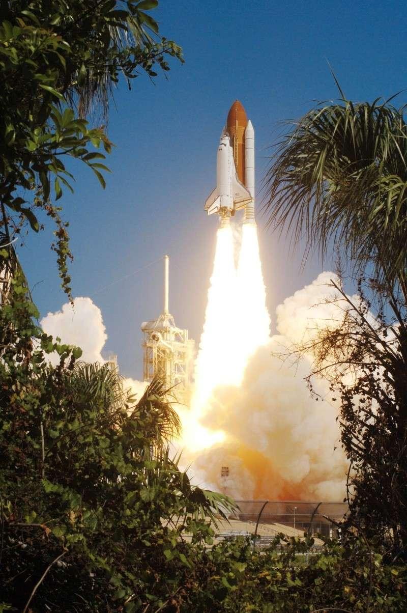 [STS-131] Discovery : préparatifs - Page 3 Sts_1110
