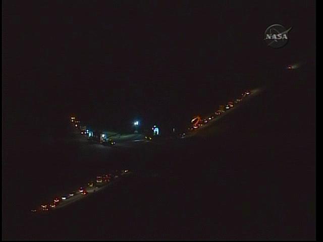 [STS-130] Endeavour : retour sur terre 3h20 GMT le 22/02/201 - Page 5 Vlcsna25