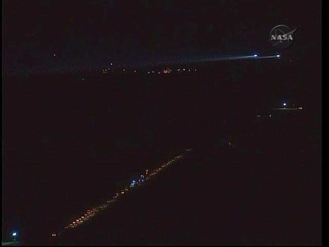 [STS-130] Endeavour : retour sur terre 3h20 GMT le 22/02/201 - Page 5 Vlcsna26
