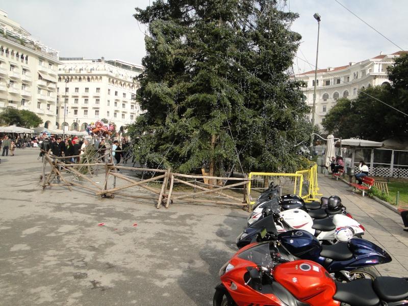 Πρώτη μέρα Χριστουγέννων την Κυριακή 26/12/2010 συνάντηση στην πλατεία Αριστοτέλους  Dsc01410