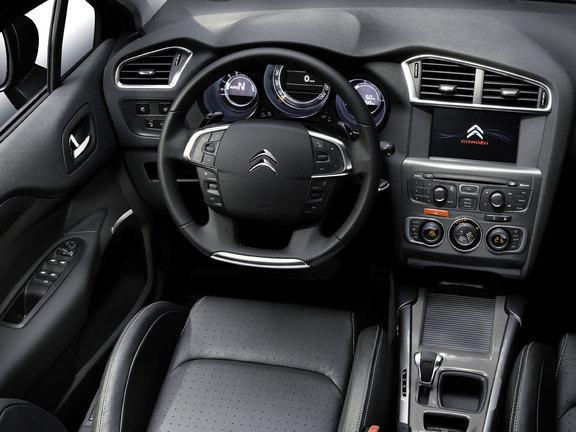 FOTO: Citroen a prezentat primele fotografii cu noul Citroen C4 Interi10