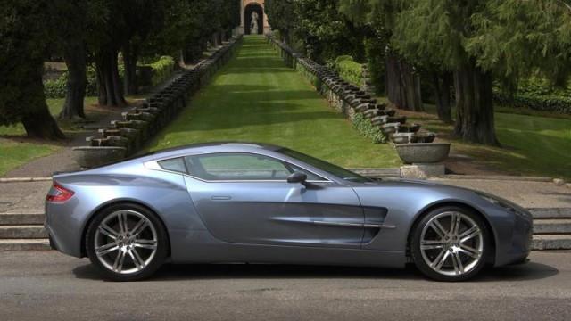 Un client misterios a cumparat 10 Aston Martin One-77 Un-cli10