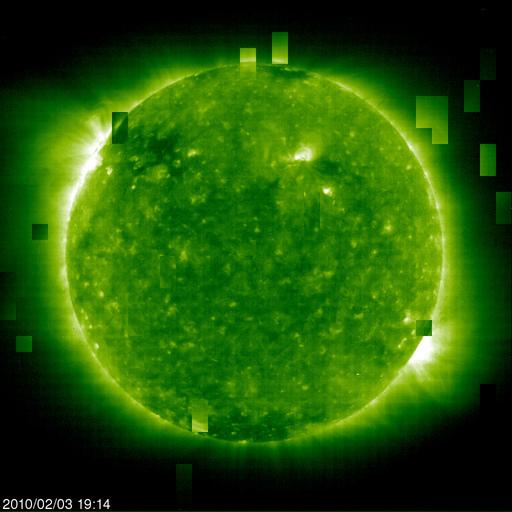 Ovnis de la taille de planètes autour du Soleil 20100219