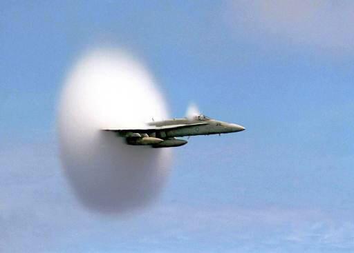 Propulsion MHD et antigravité - le bombardier B2 F18_ha10