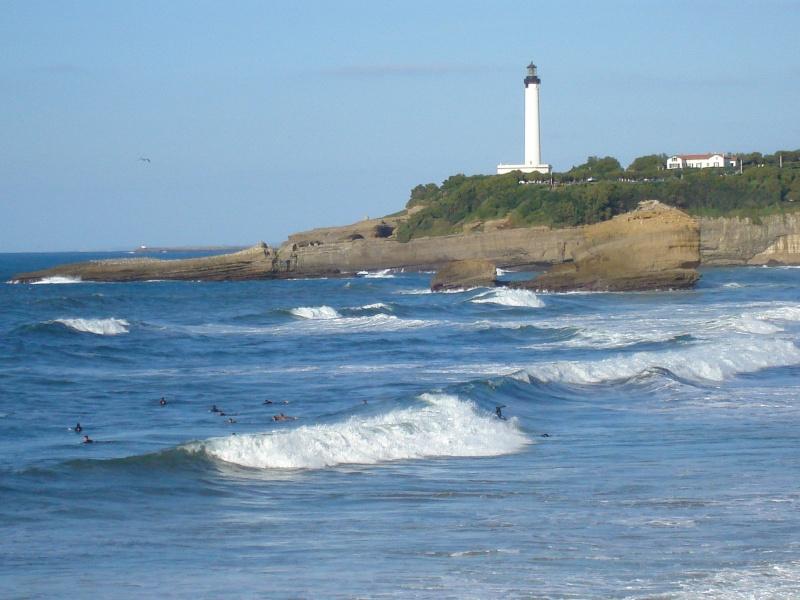 Les surfeurs au pays basque ! Dsc08815