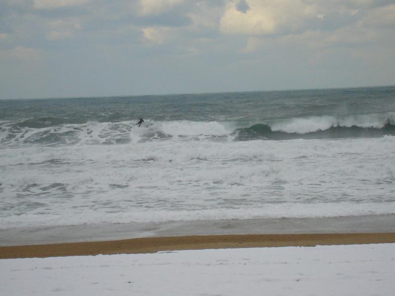 Les surfeurs au pays basque ! Dsc09511
