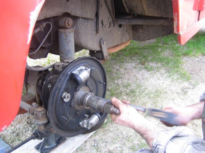 Remplacement des roulements de moyeux et garnitures de freins (démontage) Img_2022
