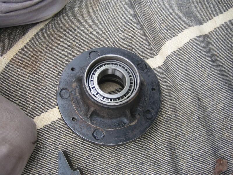 Remplacement des roulements de moyeux et garnitures de freins (démontage) Img_2028