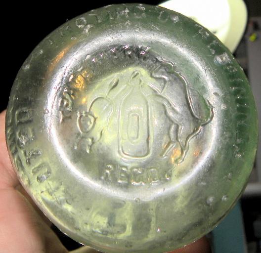 Deux bouteilles Christin & Co.  Montreal une bimal et une abm  Christ11
