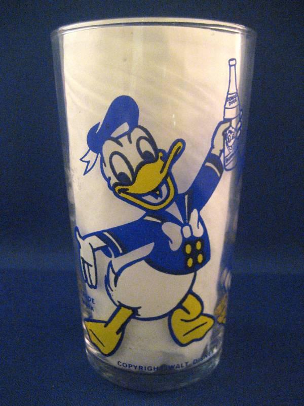 Donald Duck Cola embouteillé et vendu au Québec en 1953 Ddbuck13