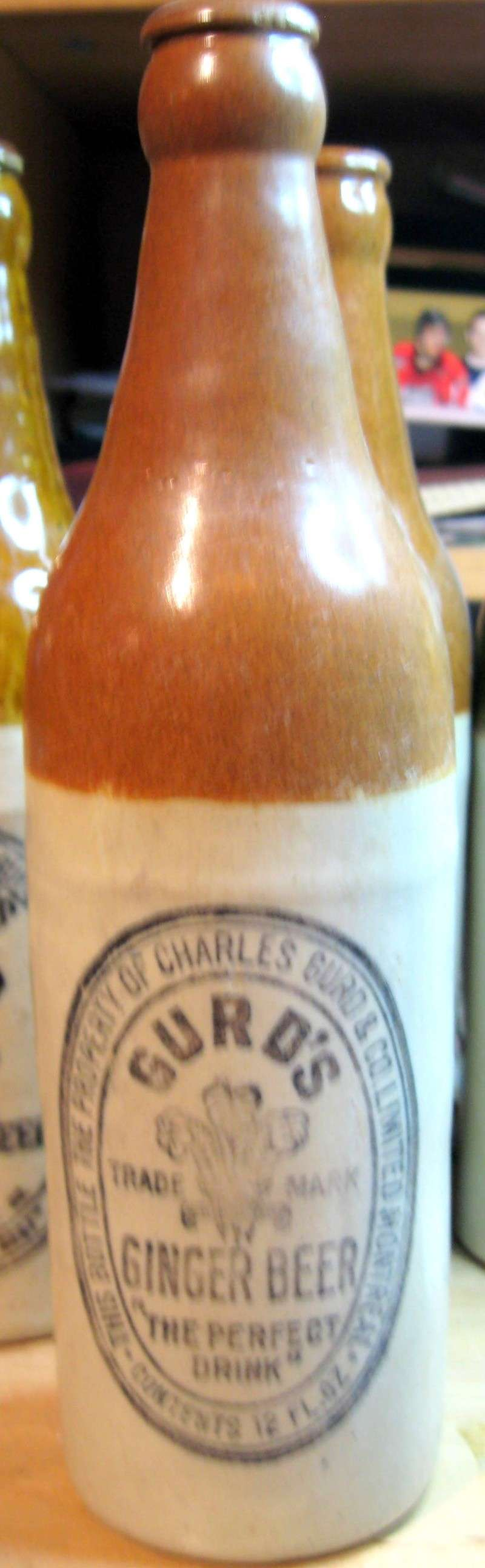 mes gurd`s ginger beer  8 bouteille  Gurd_023