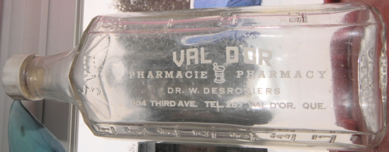 VAL D`OR  PHARMACIE  DATEE 1937  dr .w . desrosiers  Val_do11