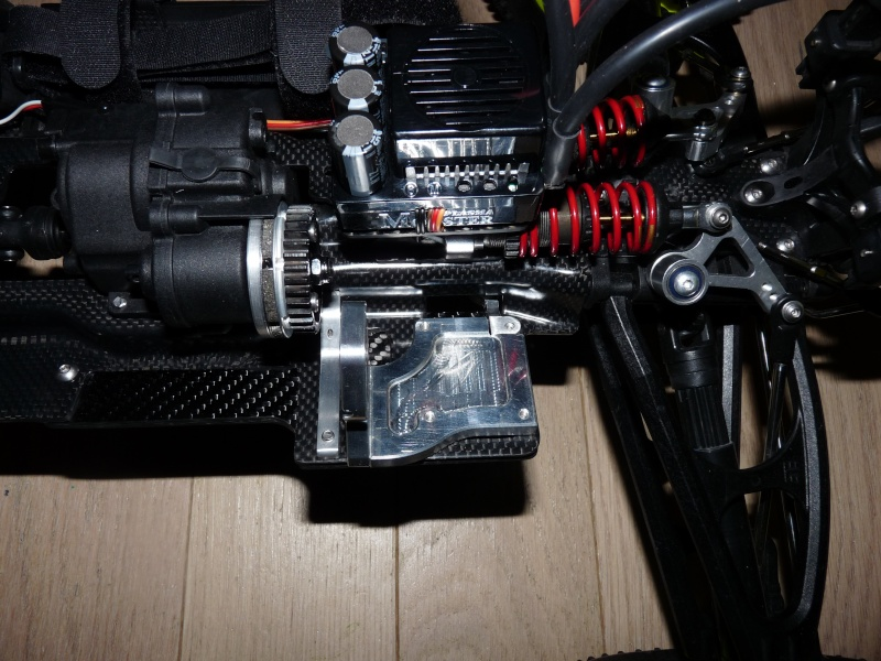 b-revo chassis alu et b-revo chassis carbone - Page 21 P1020015